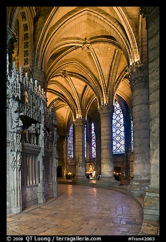 Ambulatory, Cathedrale Notre-Dame de Chartres. France (color)