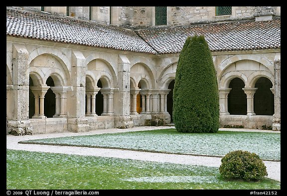 Cloister courtyard with dusting of snow Abbaye de Fontenay. Burgundy, France (color)