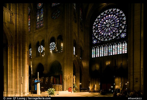 Crossing and south transept during mass. Paris, France (color)