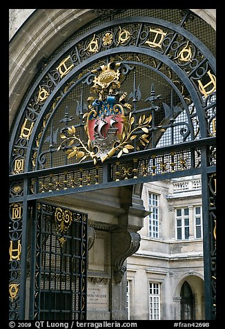 Gate and emblem of the city of Paris, Carnevalet Museum. Paris, France