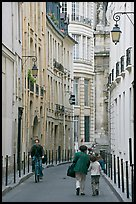 Narrow street. Paris, France