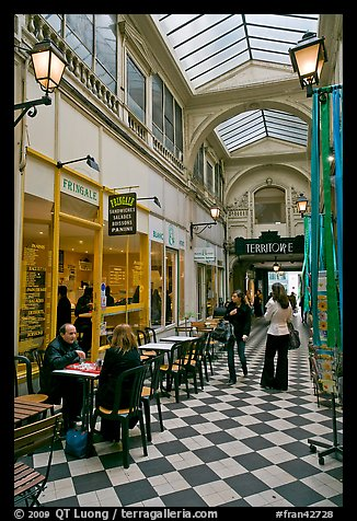 Eatery in covered passage. Paris, France