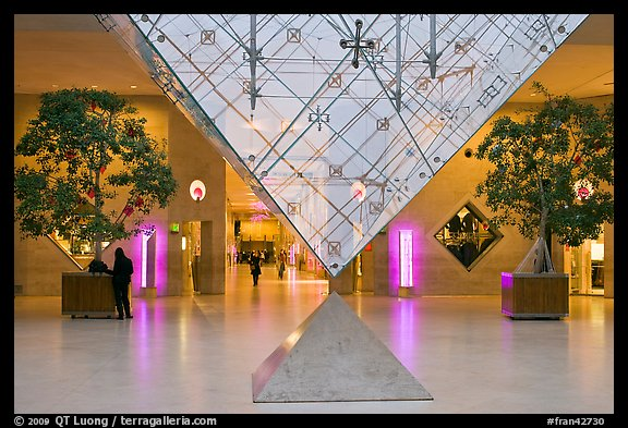 picture photo inverted pyramid and shopping mall under the louvre
