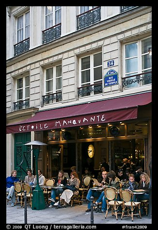 Cafe, rue Vielle du Temple, the Marais. Paris, France (color)