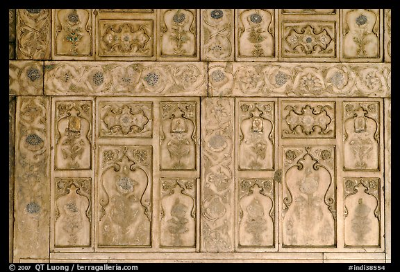 Marble wall decor,  Diwan-i-Khas, Red Fort. New Delhi, India (color)