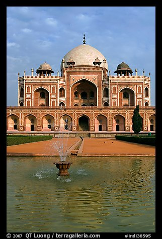 Basin and main tomb of the Emperor Humayun, afternoon. New Delhi, India (color)