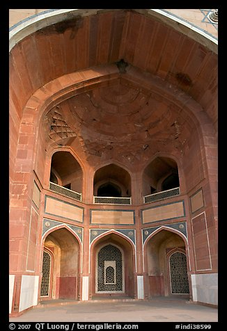 Entrance to main mausoleum, Humayun's tomb. New Delhi, India (color)
