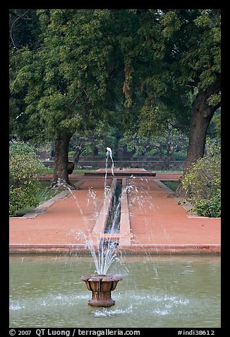 Basin and Mughal-style watercourses, Humayun's tomb. New Delhi, India (color)