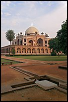 Watercourses and main memorial monument, Humayun's tomb. New Delhi, India
