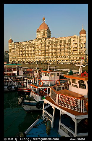 Tour boats in front of Taj Mahal Palace Hotel. Mumbai, Maharashtra, India (color)