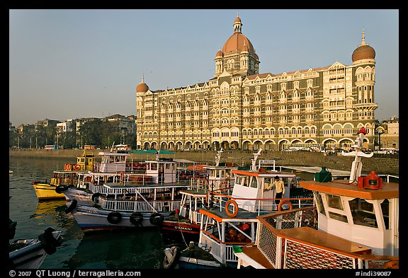 Tour boats and Taj Mahal Palace Hotel. Mumbai, Maharashtra, India (color)