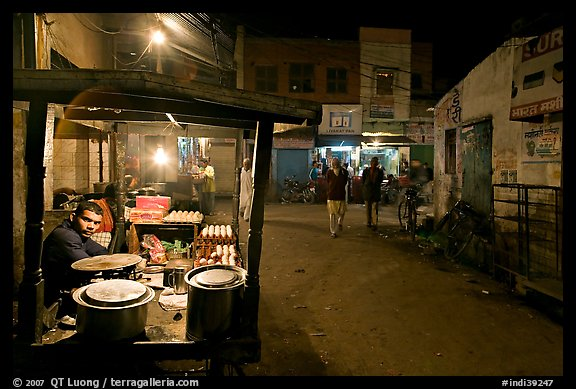 Food vendor and street by night, Taj Ganj. Agra, Uttar Pradesh, India (color)