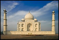 Mausoleum and decorative minarets, Taj Mahal. Agra, Uttar Pradesh, India