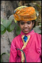 Boy with turban. Agra, Uttar Pradesh, India (color)