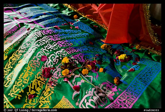 Cloth covering Shaikh Salim Chishti tomb with offered flowers. Fatehpur Sikri, Uttar Pradesh, India (color)