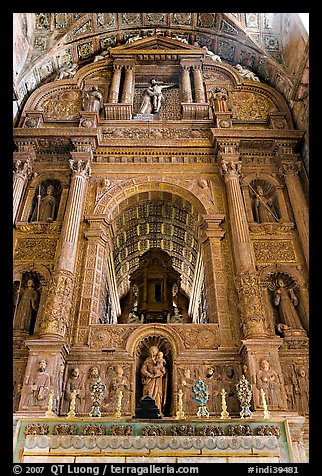 Gilded and carved woodwork, Church of St Francis of Assisi altar, Old Goa. Goa, India