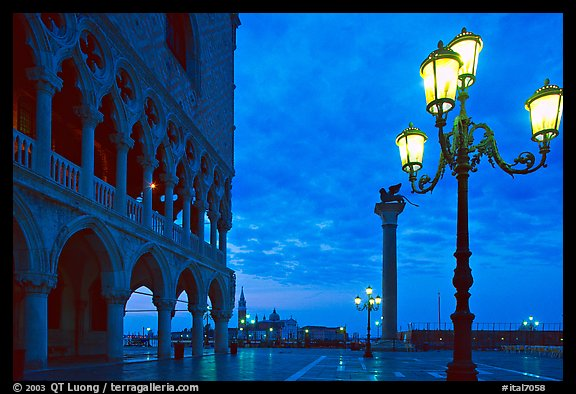 Lamp, column with Lion, Piazza San Marco (Square Saint Mark) at dawn. Venice, Veneto, Italy