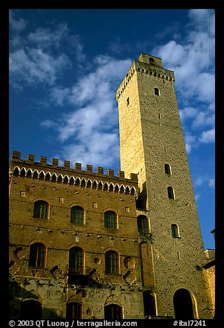 Palazzo del Popolo and Torre Grossa, early morning. San Gimignano, Tuscany, Italy (color)