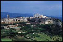 General view of town, perched on plateau. Orvieto, Umbria (color)