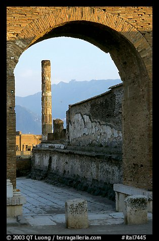 Archway and column. Pompeii, Campania, Italy (color)