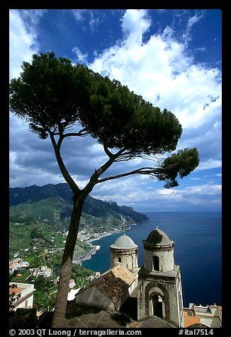 Spectacular view on the Gulf from the terraces of Villa Rufulo, Ravello. Amalfi Coast, Campania, Italy