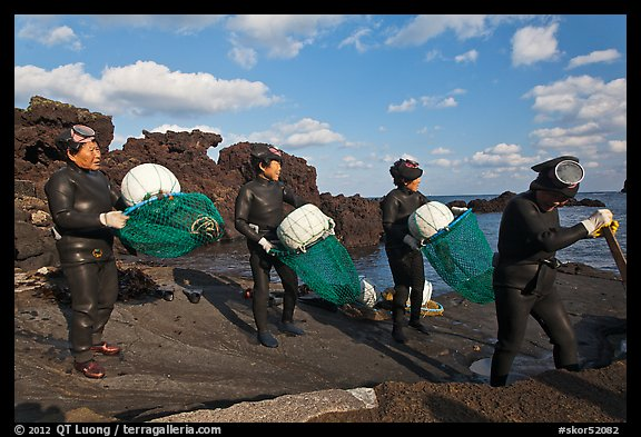 Haeneyo women divers, Seongsang Ilchulbong. Jeju Island, South Korea (color)