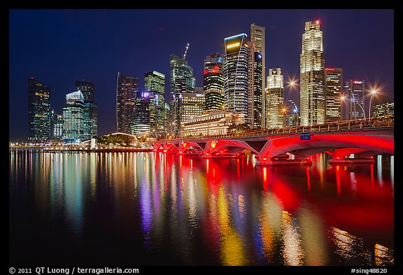 Picture photo bridge and singapore skyline at night for Design bridge singapore