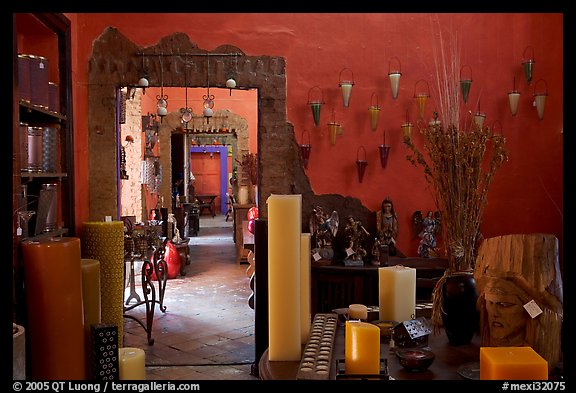 Art gallery, Tlaquepaque. Jalisco, Mexico (color)