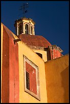 Walls and dome of Templo de San Roque, early morning. Guanajuato, Mexico ( color)