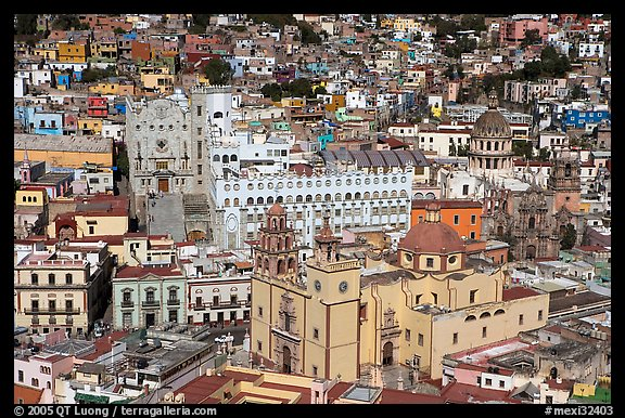 Basilic and University in the center of the town. Guanajuato, Mexico (color)