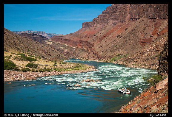 Raft entering Hance Rapids. Grand Canyon National Park, Arizona (color)