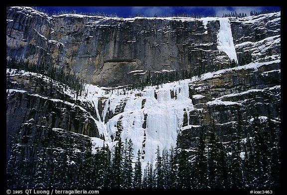 Lower Weeping Wall. Canada
