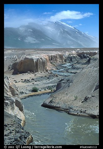 Convergence of the Lethe river and and Knife river, Valley of Ten Thousand smokes. Katmai National Park, Alaska, USA.