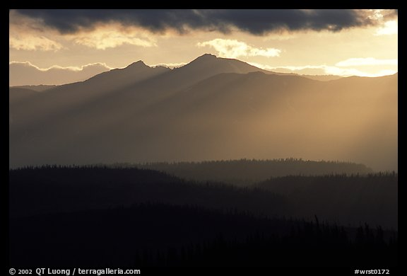 Early morning rays, Chugach mountains. Wrangell-St Elias National Park, Alaska, USA.