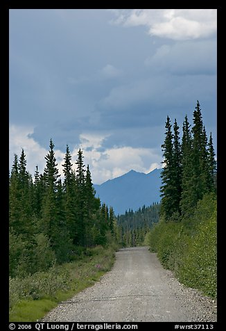 McCarthy road. Wrangell-St Elias National Park (color)