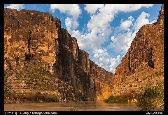Santa Elena Canyon cut into Sierra Ponce Mountains. Big Bend National Park (color)