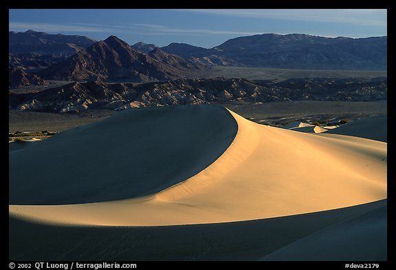 Mesquite Sand dunes and Amargosa Range, early morning. Death Valley National Park, California, USA.