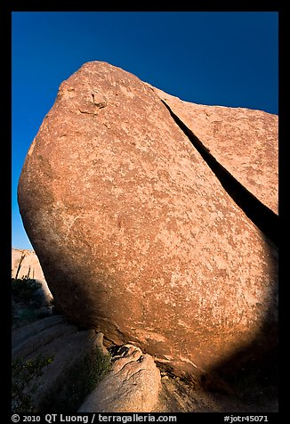 Split rock. Joshua Tree National Park (color)