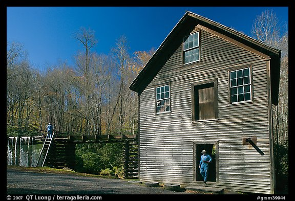 Mingus Mill and mill workers, North Carolina. Great Smoky Mountains National Park, USA.