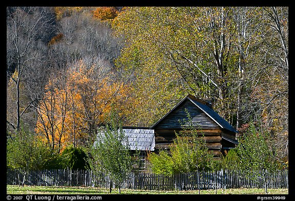 Historic log building, Mountain Farm Museum, North Carolina. Great Smoky Mountains National Park, USA.