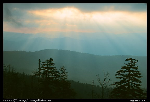Sunrays over ridges, early morning, North Carolina. Great Smoky Mountains National Park (color)