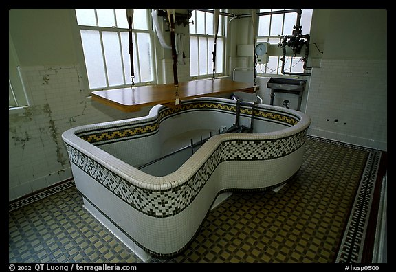 Tile-covered tub, Fordyce bathhouse. Hot Springs National Park (color)
