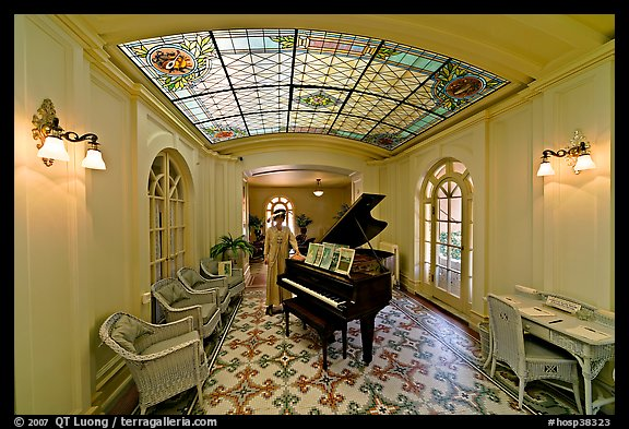 Piano and gallery in assembly room. Hot Springs National Park (color)