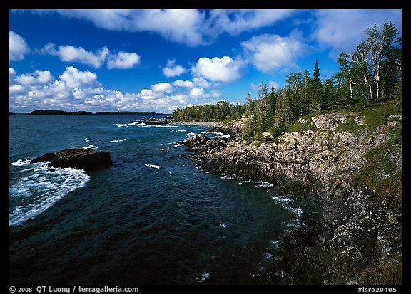 Rocky Lakeshore. Isle Royale National Park (color)