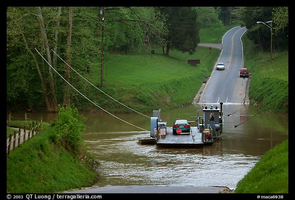 Car crossing Green River on ferry. Mammoth Cave National Park, Kentucky, USA.