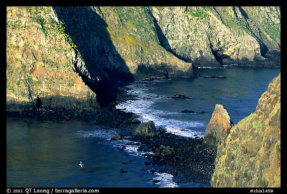 Channel between East Anacapa and Middle Anacapa at low tide. Channel Islands National Park (color)