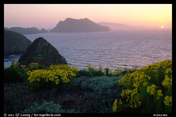 Sunset near Inspiration Point, Anacapa. Channel Islands National Park (color)