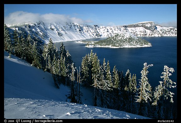 Lake in winter, afternoon. Crater Lake National Park, Oregon, USA.