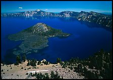 Lake and Wizard Island. Crater Lake National Park, Oregon, USA.