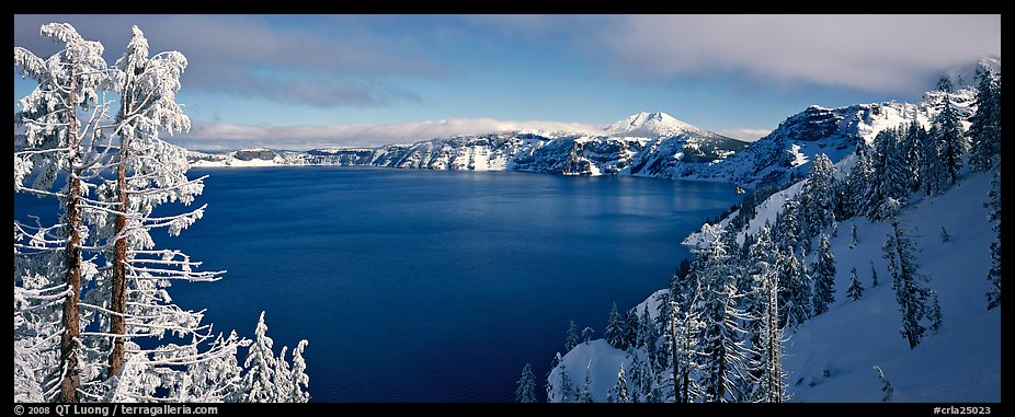 Lake and snow-covered trees. Crater Lake National Park (color)